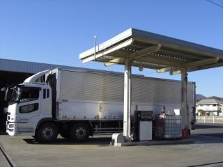 2台同時作業可能でスムーズな給油。